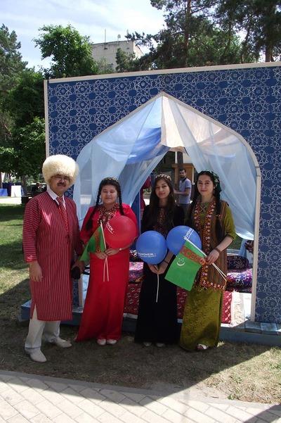 В Воронеже День России впервые отметили межнациональным фестивалем