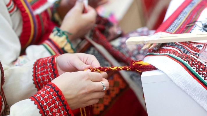 Как поправки в Конституцию защитят языковое и культурное богатство России