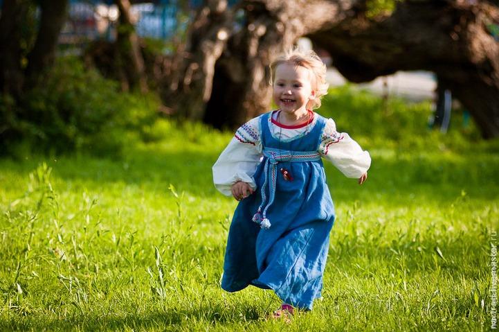 """В Иркутске открылась выставка """"Современный костюм в национальных традициях"""""""
