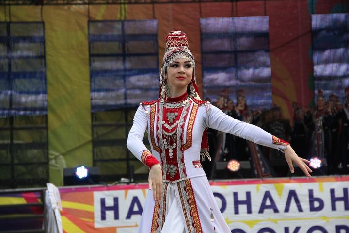 """Саундтреком к сериалу """"Зулейха открывает глаза"""" стала татарская народная песня"""