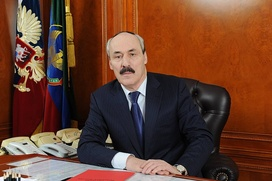 Дагестанцев возмутили слова Абдулатипова о гимне похожем на похоронку