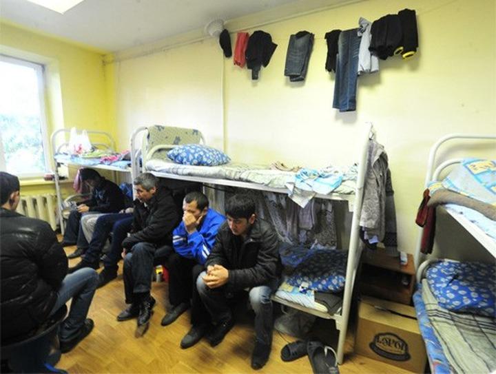 На руководителя Союза защиты прав трудовых мигрантов завели дело за попытку прописать у себя 4,5 тысячи приезжих