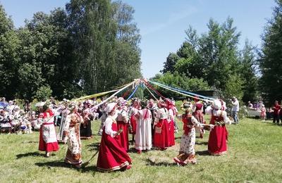 Обрядовый фестиваль пройдет в Брянске на Яблочный спас