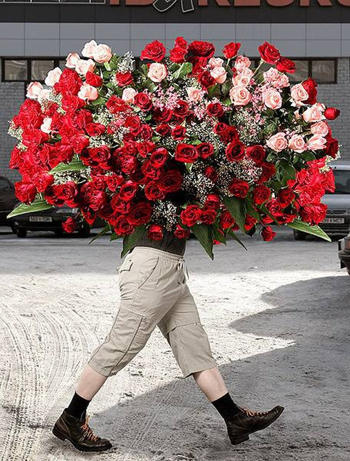 Мужчине нужно дарить цветы