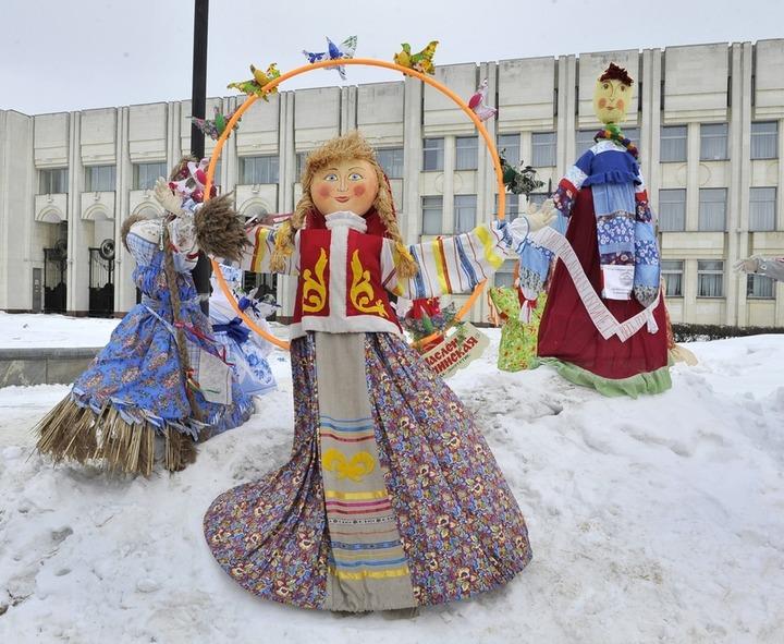 """На """"Главной Масленице страны"""" проведут конкурс масленичных кукол"""