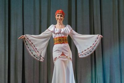 """Конкурс национальных костюмов """"Этно-Эрато"""""""
