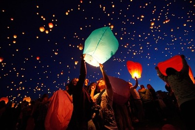 В Москве казаки устроят рейды против небесных фонариков