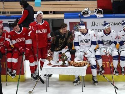 Нижегородские хоккеисты исполнили фольклорный этюд под хохлому