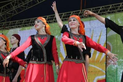 На Сабантуе в Москве установили татарскую и башкирскую деревни