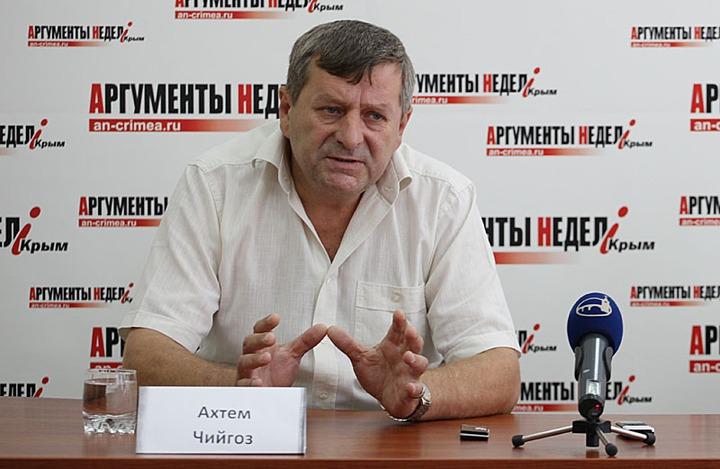 Арест лидера Меджлиса крымских татар Чийгоза продлили на три месяца