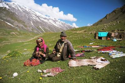 Таджикистан торопит Россию ввести льготы для мигрантов в обмен на военную базу