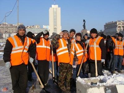 В центре Москвы не хватает дворников из-за квот на мигрантов