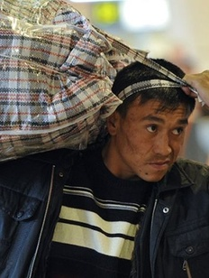 Пособников нелегальной миграции предложили сажать на два года