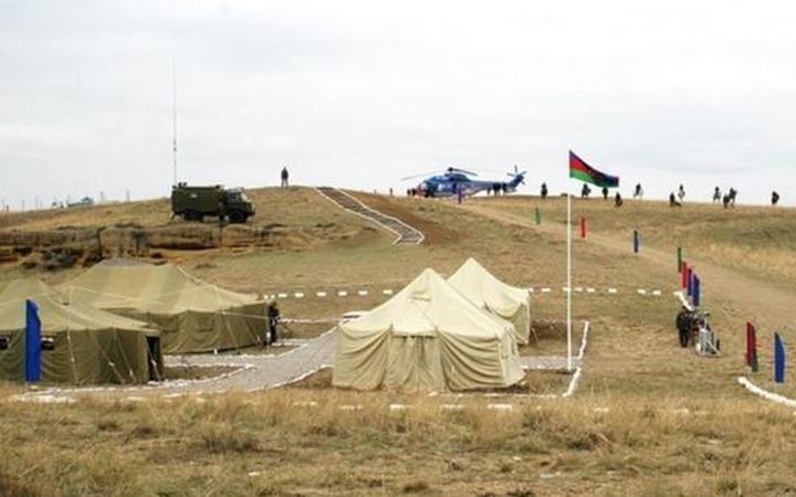 В Дагестане поставили палаточный городок для застрявших в республике из-за пандемии азербайджанцев