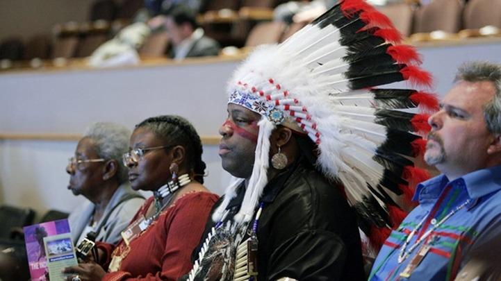 """Индейские вожди приедут в Бурятию на помощь эвенкийской общине """"Дылача"""""""