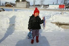 Прошедшая 8 км по тайге четырехлетняя тувинская девочка останется в семье