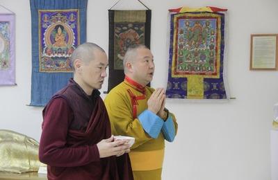 Буддийские свитки 19 века представили на выставке в Калмыкии