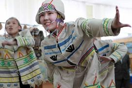 Эвенки Якутии на съезде попросили власти поднять пенсии оленеводам