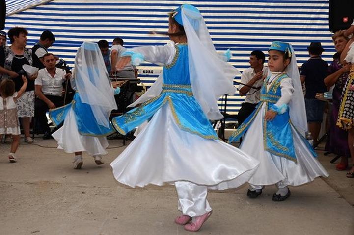 """В Крыму пройдет фестиваль национального творчества """"Мир в радуге культур"""""""