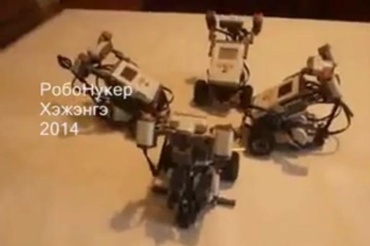 Юные бурятские изобретатели заставили роботов станцевать ёхор