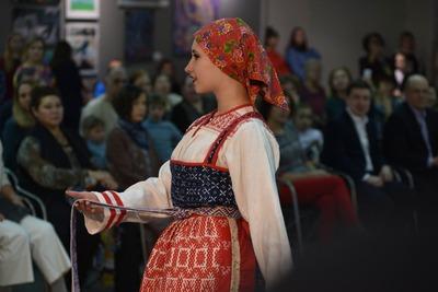 """Лучших дизайнеров выбрали на фестивале этномоды """"Северный стиль"""" в Коми"""