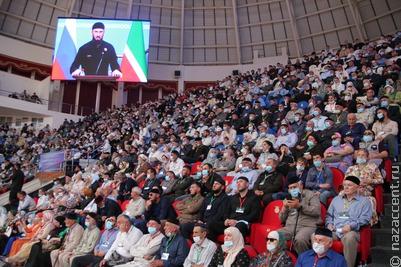 Кадырова попросили выдвинуться на новый срок на Всемирном съезде народов Чечни