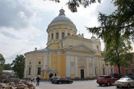 Священники Петербурга объехали город с иконой для избавления от коронавируса