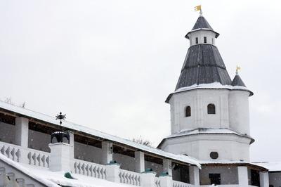 В регионах с большим числом больных коронавирусом закроют монастыри