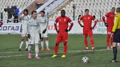На футбольном матче в Москве темнокожий спортсмен ответил на оскорбления