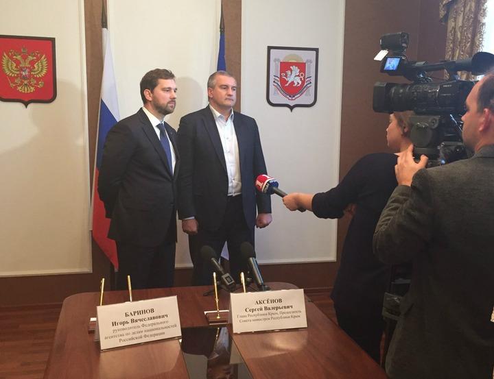 Число приветствующих присоединение Крыма к России крымских татар увеличилось вдвое