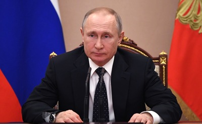 Путин: Россия достойно ответила на вызов пандемии благодаря общенациональному единению