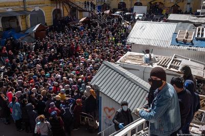 Раздававшего продукты в Рамадан бизнесмена судят за нарушение самоизоляции в Петербурге
