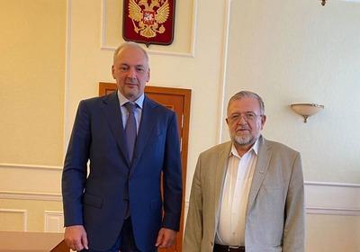 Обеспечивающие поправки в Конституцию законы сначала пройдут через слушания в Общественной палате России