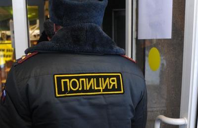 В Сургутском кафе полицейские в масках срезали мусульманам бороды