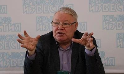 Автор оскорбившего крымских татар учебника высказался против изъятия главы из издания