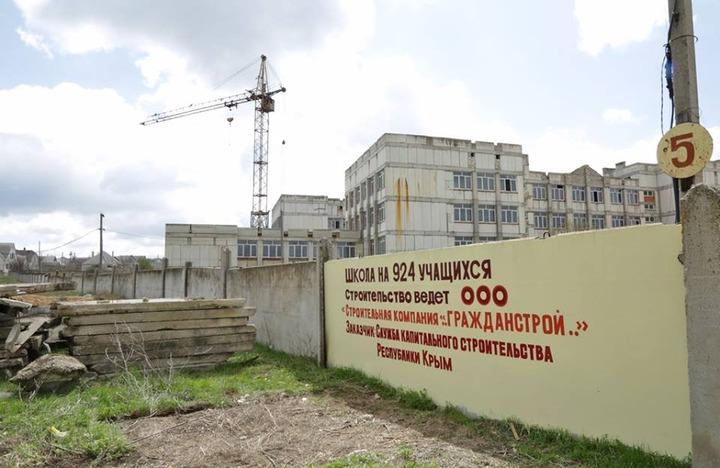 Аксенов пообещал крымским татарам новую школу