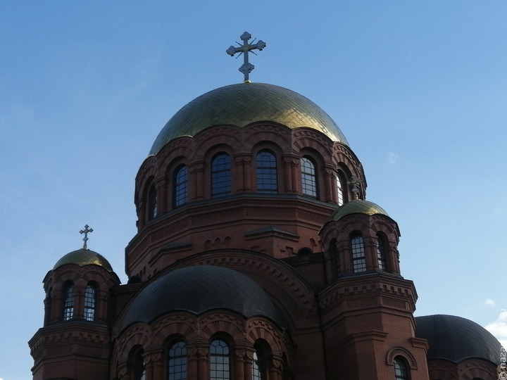 Православный священник назвал суеверием страх перед QR-кодами