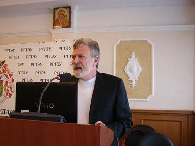 Активиста казачьего движения не выпустили из страны