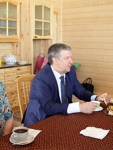 Глава Карелии пообещал отремонтировать дорогу к Дому карельского языка