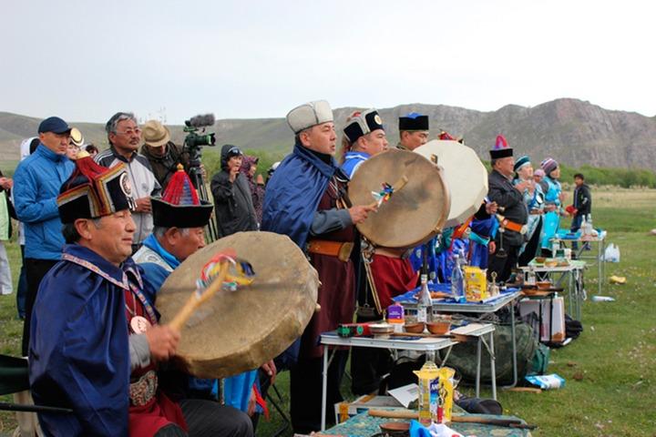 Ёрдынские игры откроют 100 шаманов