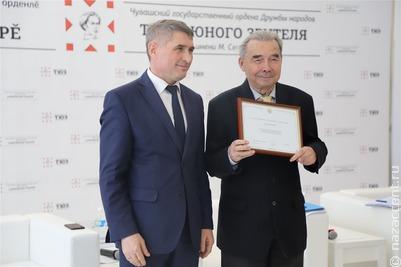 Глава Чувашии обсудил развитие чувашского языка с творческой интеллигенцией региона
