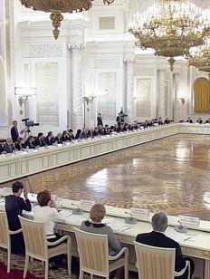 Путина призвали укреплять межнациональное единство строительством дорог и жилья