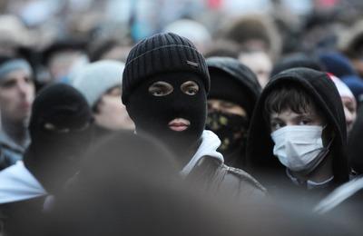 Девять нападений на мигрантов в Петербурге объединили в одно экстремистское дело