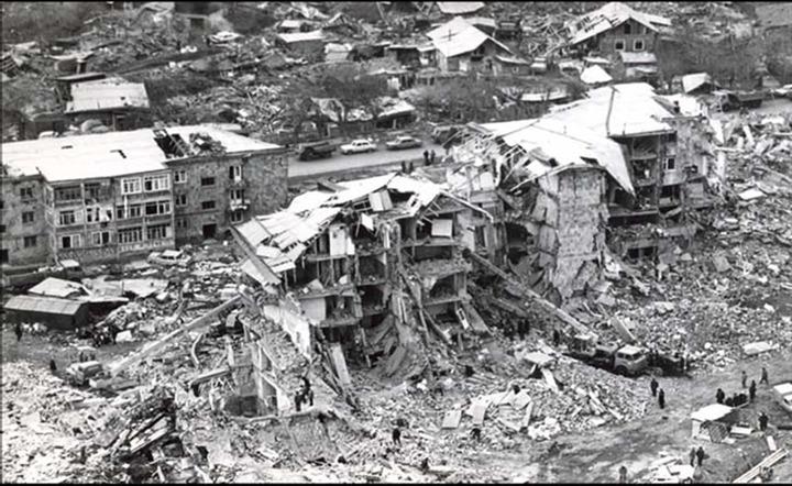 Российские армяне вспоминают жертв Спитакского землетрясения в Армении