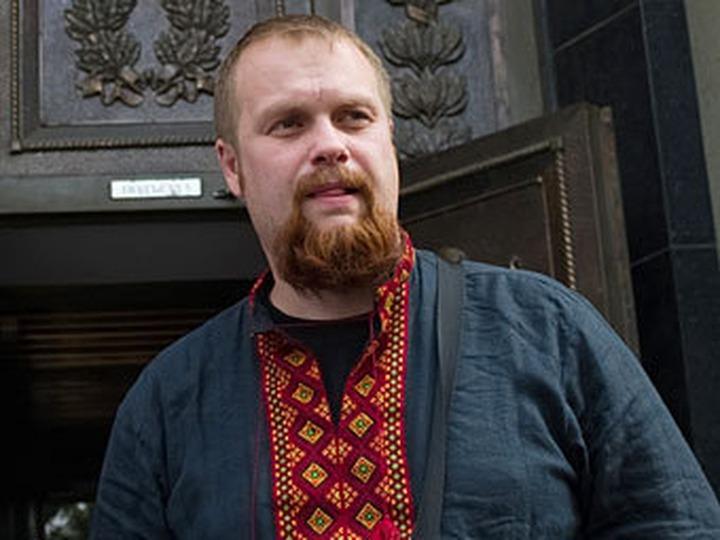 Суд назначил националисту Демушкину 200 тысяч рублей штрафа и отменил наказание