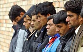 ФМС нашла узбеков и таджиков в  нелегальном полуразрушенном общежитии на юго-востоке Москвы