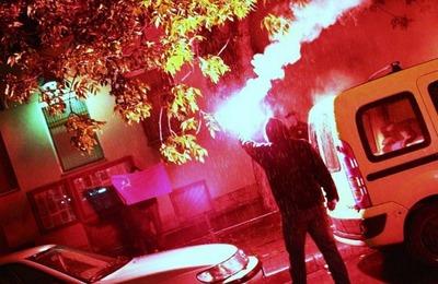 """В Петербурге у консульства Латвии нацболы потребовали освободить """"Черного Ленина"""""""