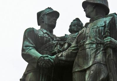 Еврейская НКА защитит советские памятники в Польше