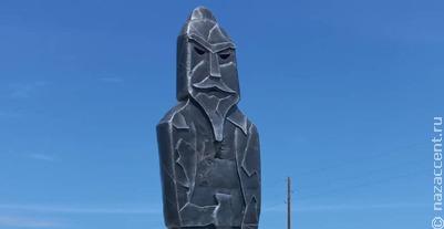 В Горном Алтае появились памятники богатырям-хранителям алтайцев