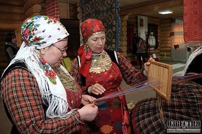 Жители Ижевска могут поработать на старинных станках-компьютерах